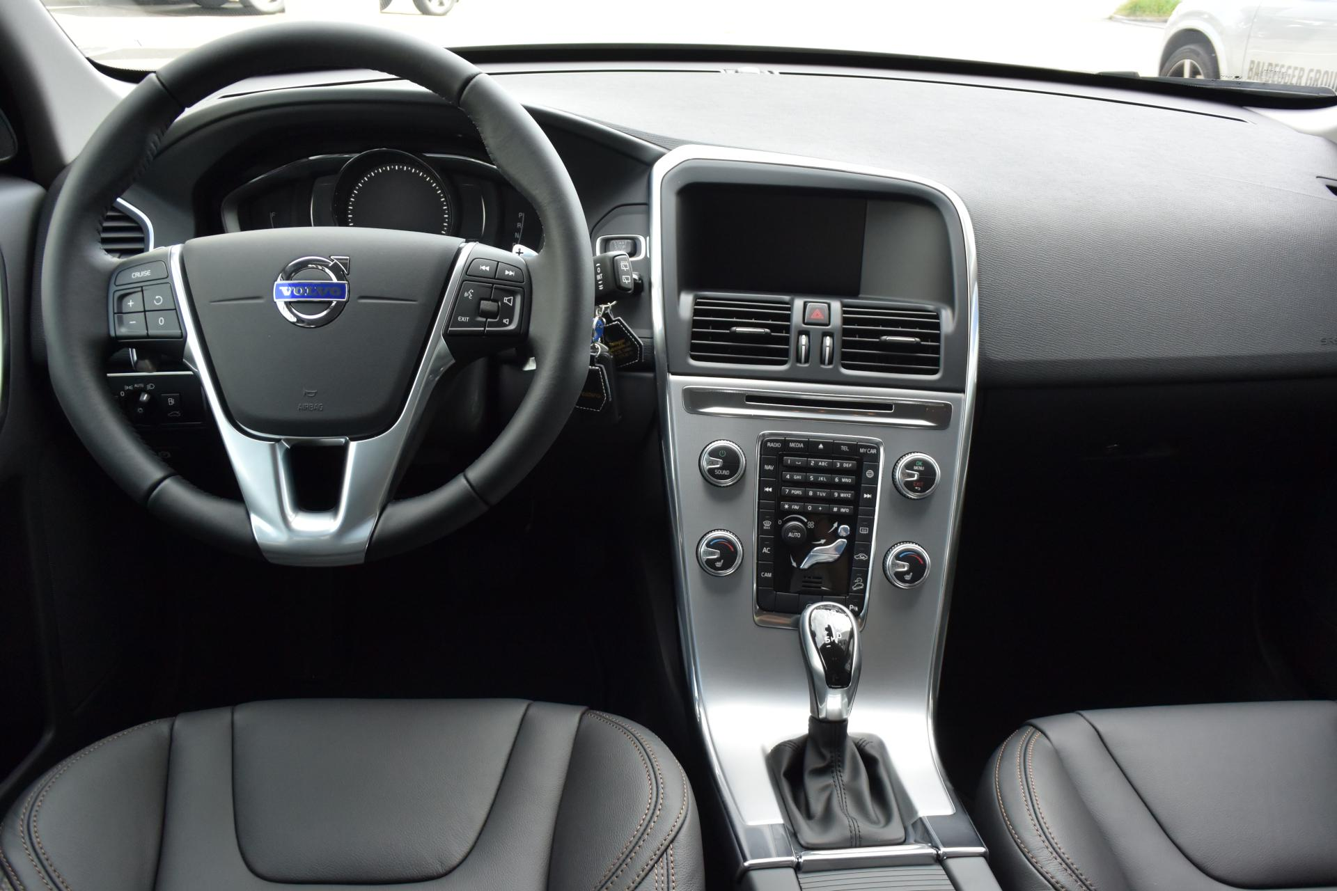 volvo xc60 d4 awd summum baldegger automobile ag. Black Bedroom Furniture Sets. Home Design Ideas